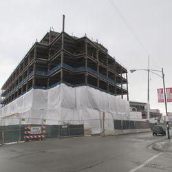 Plaza building, from Clark & Waveland -