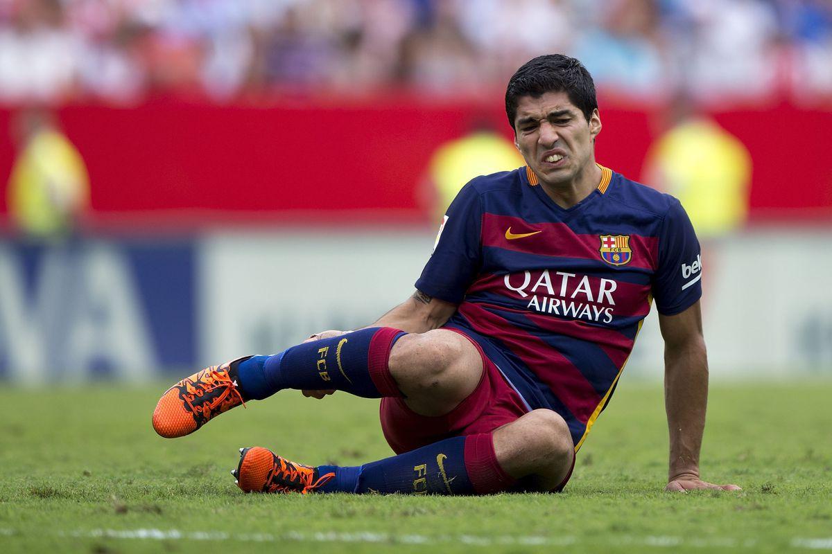Barcelona cho phép tiền đạo Suarez lên tuyển Uruguay