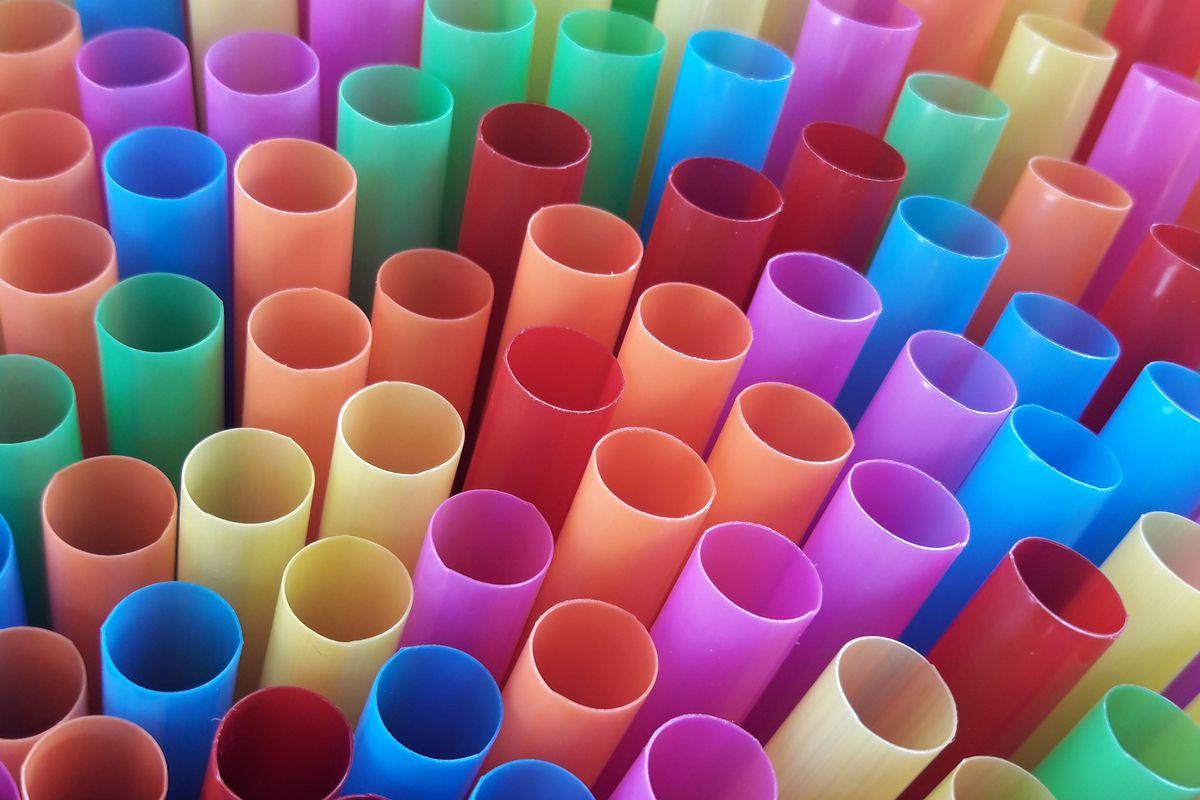 socal assemblyman wants restaurants to stop serving plastic straws