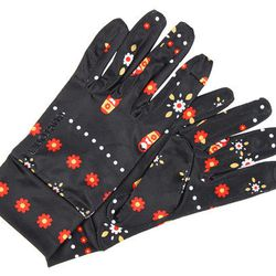 """<b>Burton Touchscreen Liner in Mother Russia,</b> <a href=""""http://www.zappos.com/burton-touchscreen-liner-mother-russia?ef_id=CEpQQiJXlGAAAF3Z:20121204045001:s#"""">$17.95</a> at Zappos.com"""