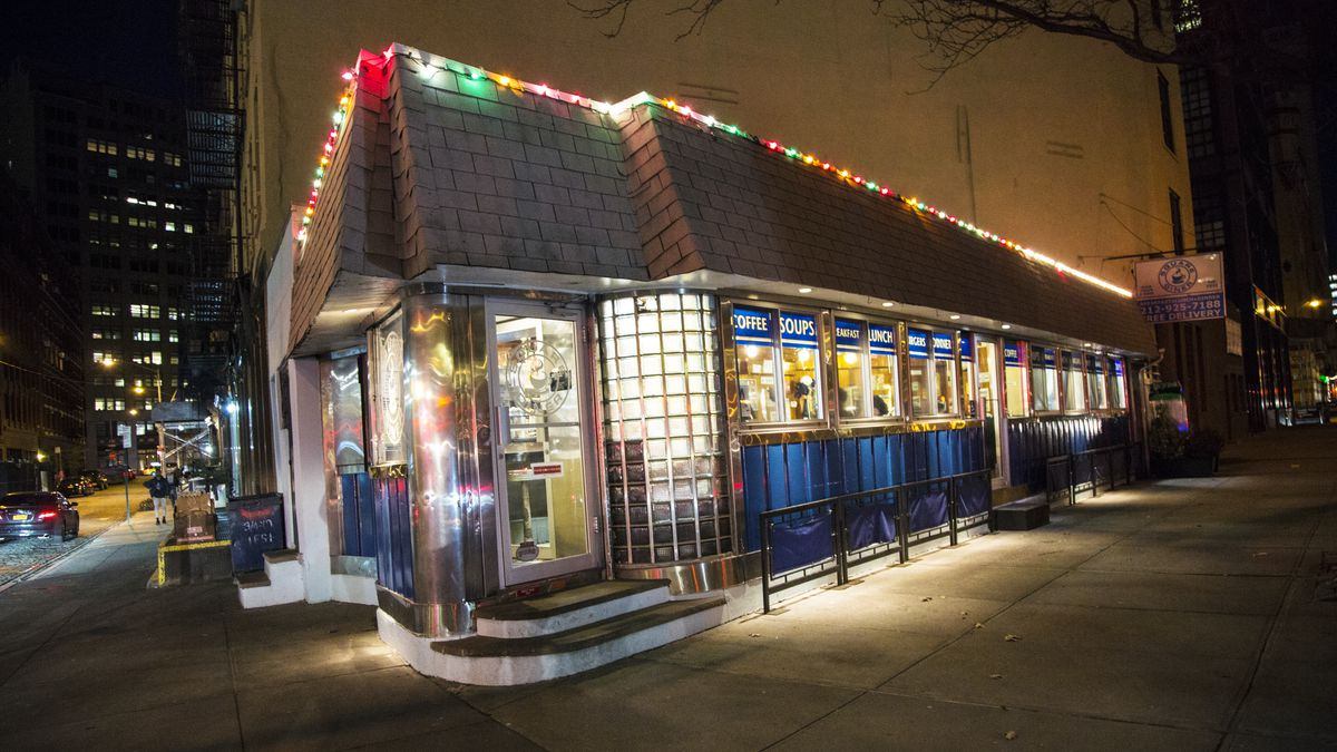 Square_Diner A Look Inside the Historic NYC Diners Still Keeping Traditions Alive