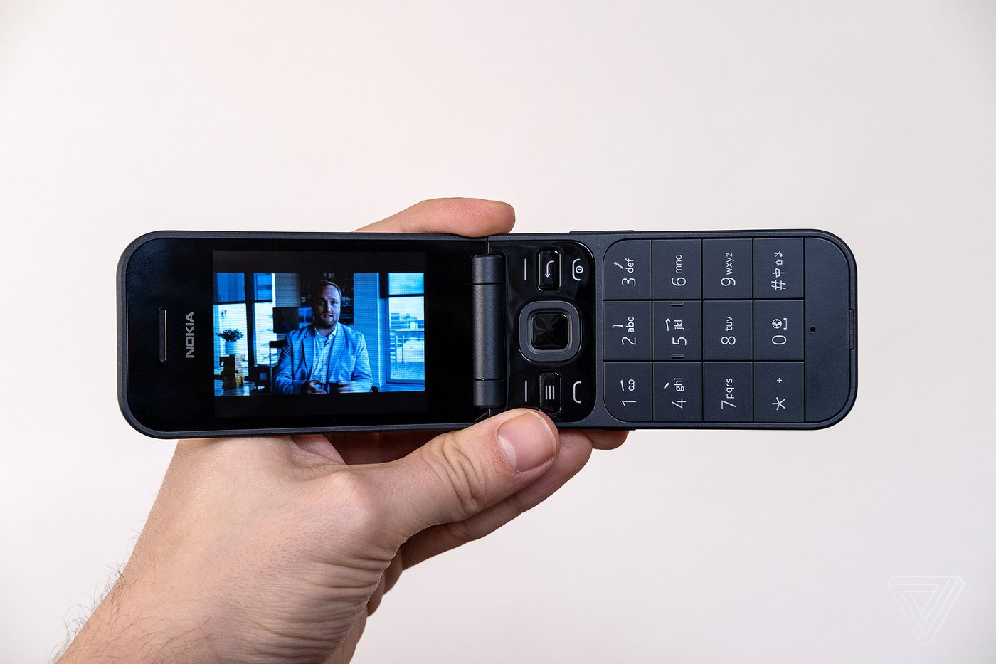 Nokia 2720 Flip Review Proof You Can T Opt Out Of The Smartphone Generation The Verge