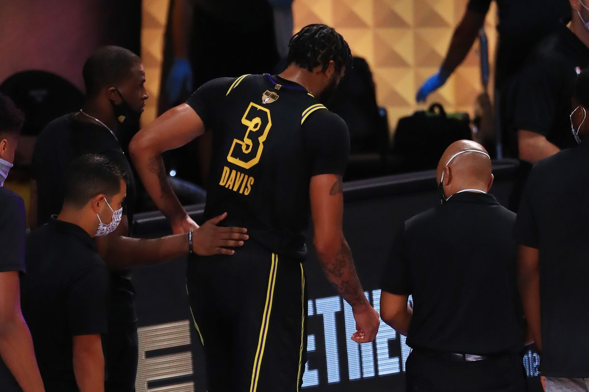 Lakers Injury Update: Anthony Davis hurt in NBA Finals loss to Heat - Silver Screen and Roll