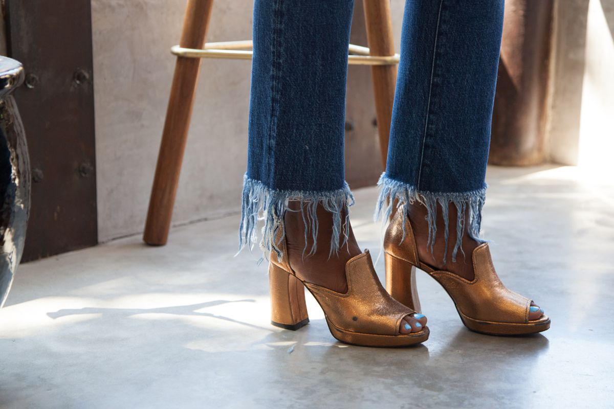 How To Style Frayed Hem Jeans From A Denim Expert Racked