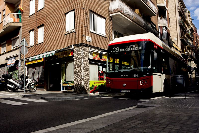 A bus at the edge of the Gracia superblock.