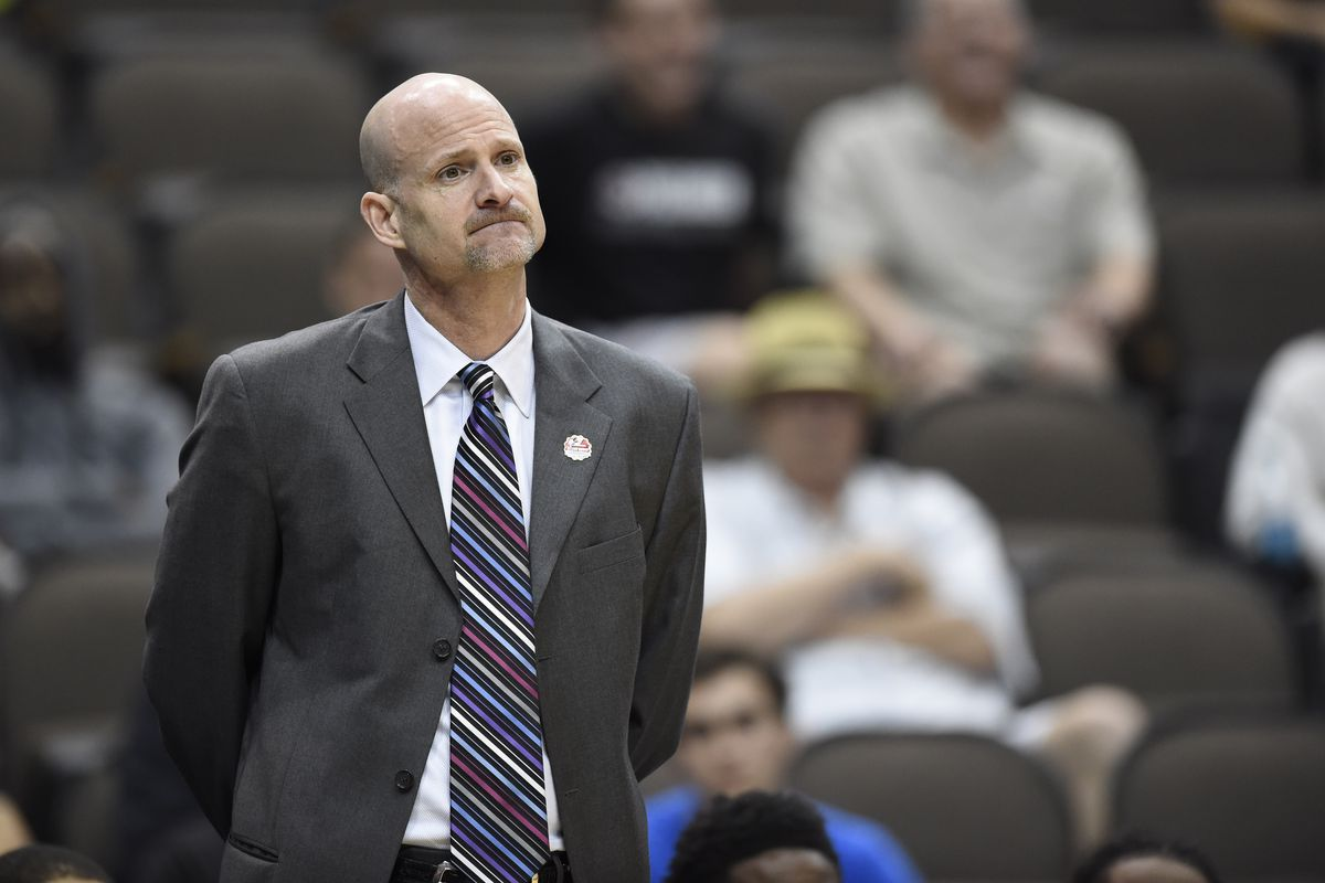 Andy Kennedy doing what UC coaches do, lose to Xavier.