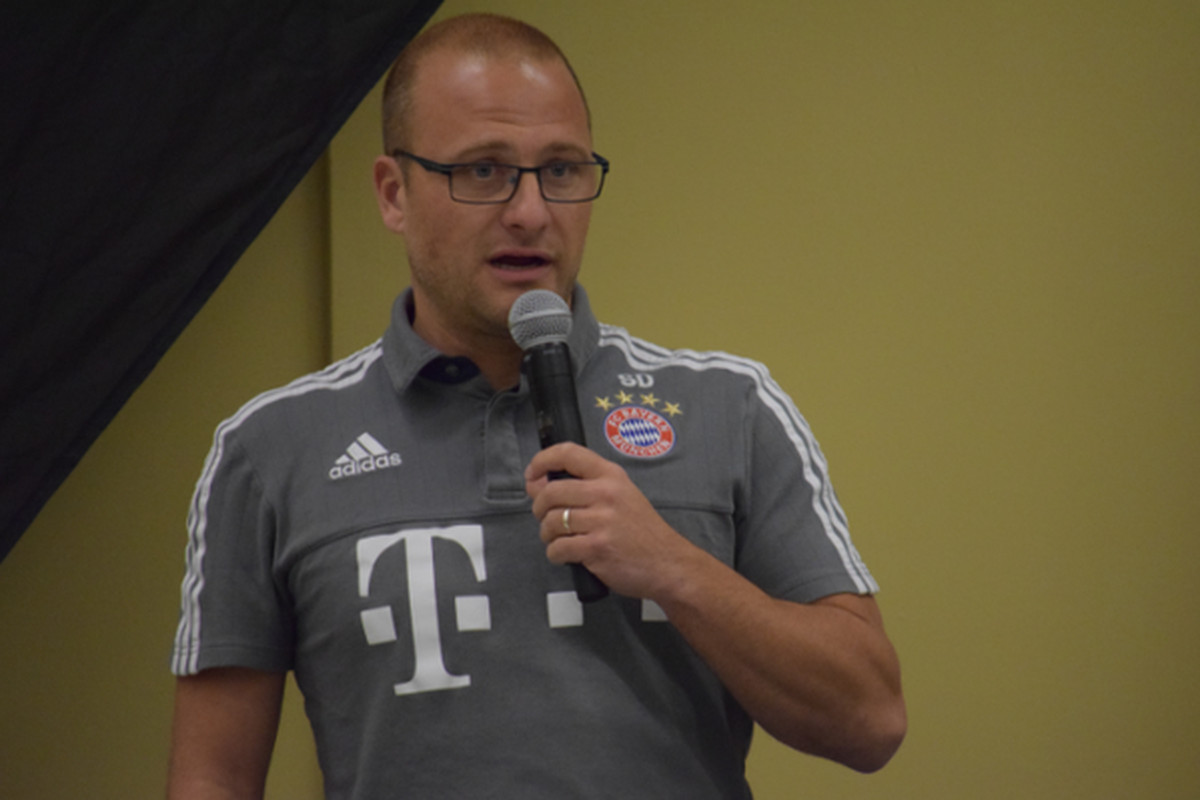 Sebastian Dremmler, Head Coach of the International Program at Bayern Munich, speaks at NSCAA Conference