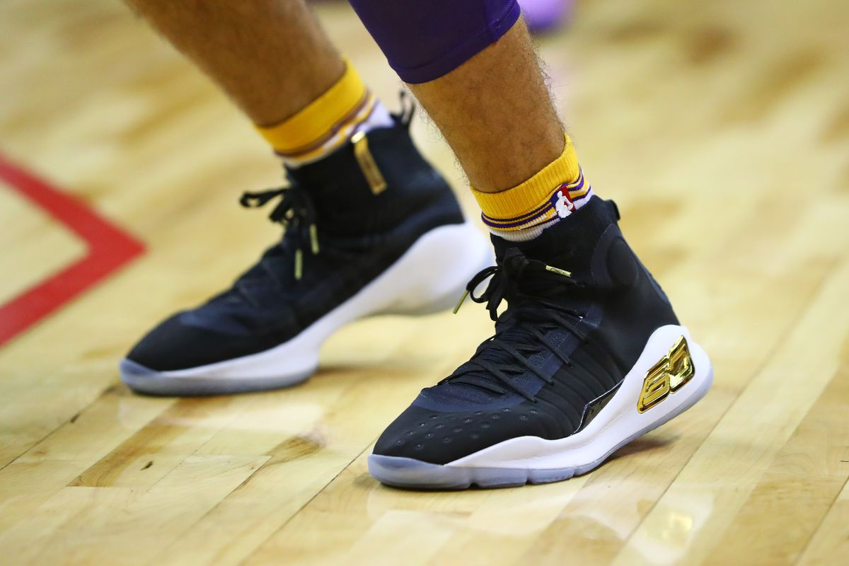 02094dec43dd Lakers News  Stephen Curry sent Lonzo Ball the pair of shoes he wore  against the Nets