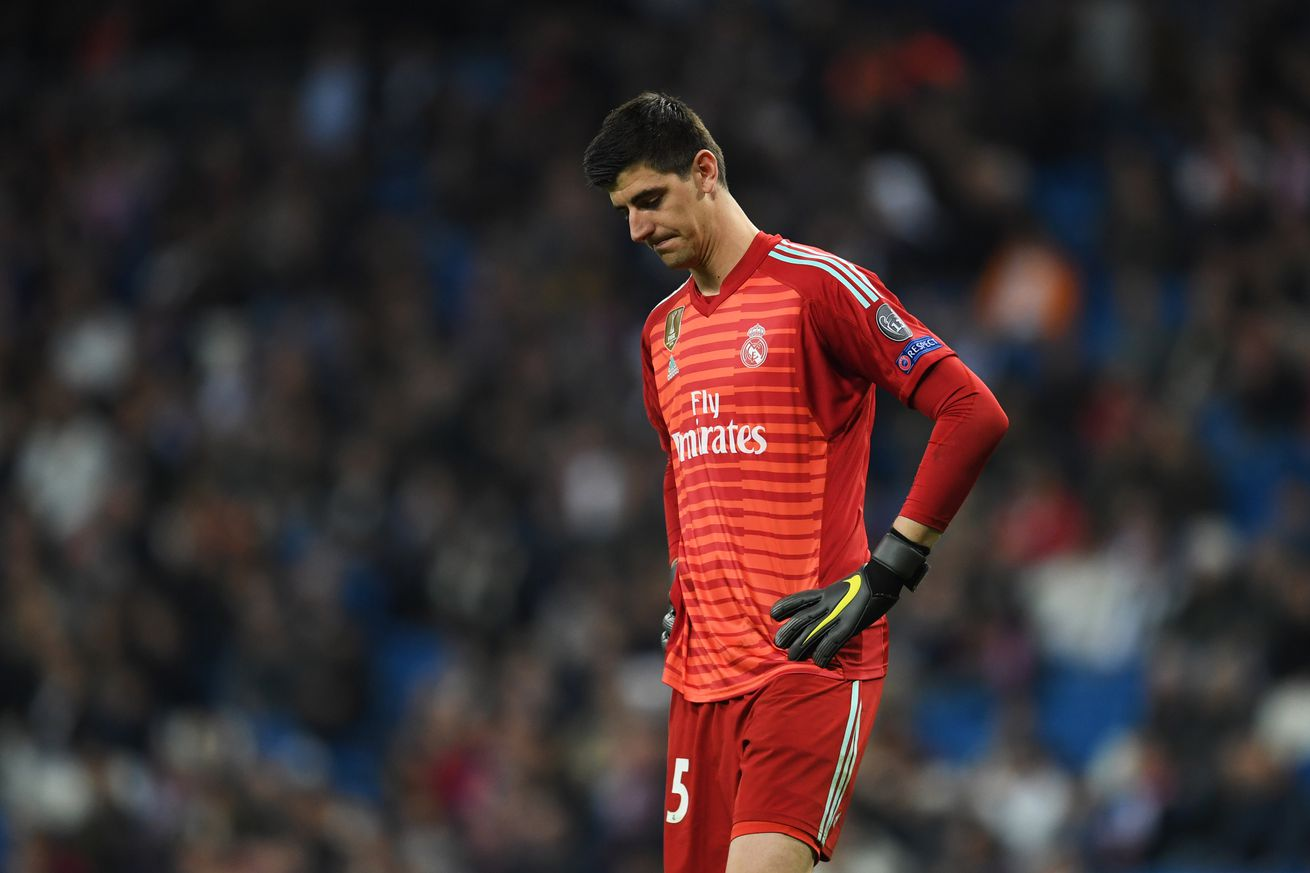 Courtois and Mariano rejoin Real Madrid squad in training