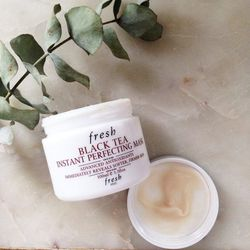 I like to start my week off with this calming mask. It leaves my skin feeling plump and pretty, and I like dipping my fingers into the pot. The texture of this mask is very satisfying to touch.