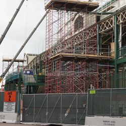 Scaffolding along Clark Street, just north of the main ticket windows