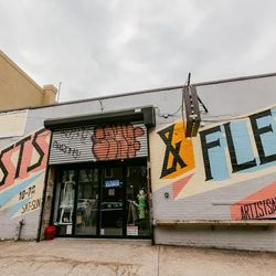 """<b>↑</b> <a href=""""http://www.artistsandfleas.com/""""><b>Artists & Fleas</b></a> (70 North 7th Street) is like a less overwhelming Brooklyn Flea: smaller but brimming with just as much creative design, one-of-a-kind finds, and covetable vintage. Score everyt"""