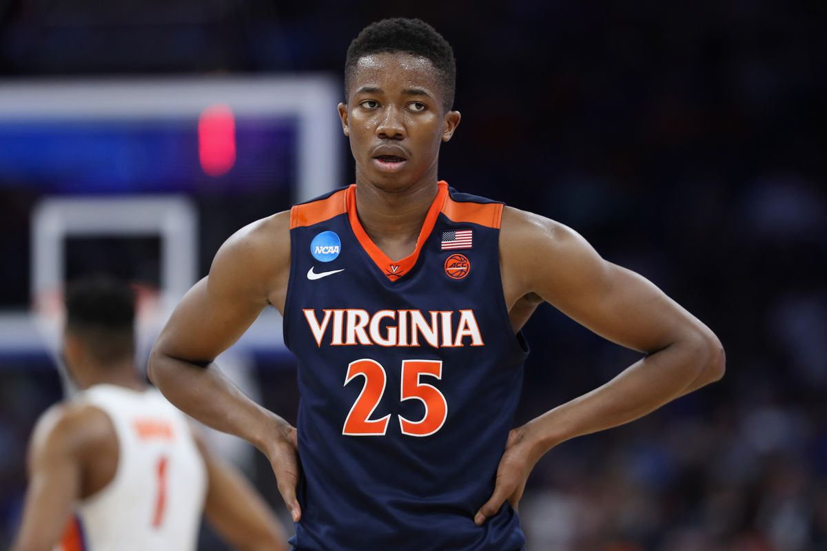 Virginia Basketball Posts Roster With Updated Player Height And Weightd Streaking The Lawn
