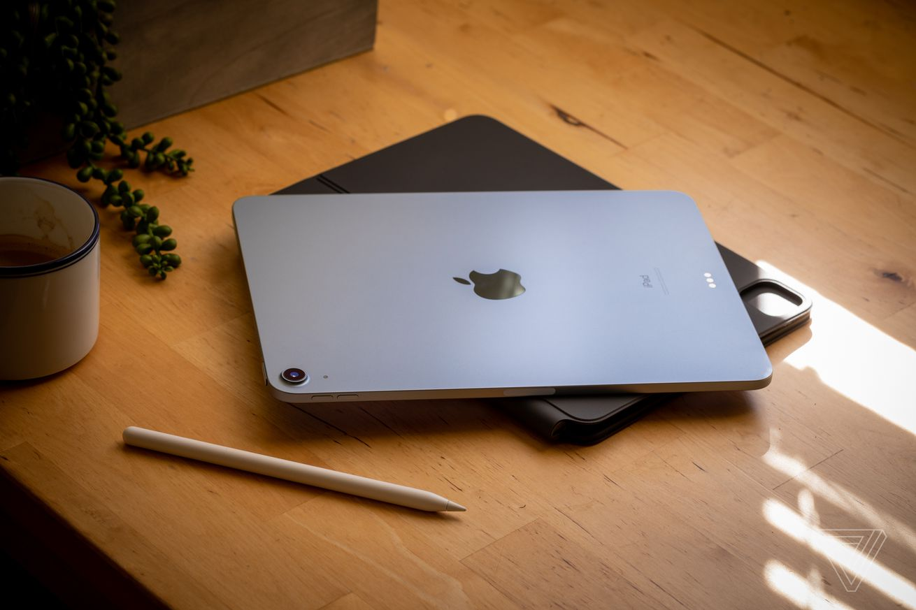 Apple reportedly set to mass-produce iPads outside China for the first time