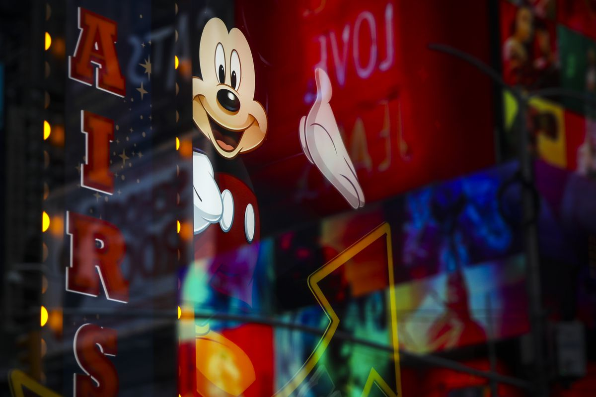 Disney to buy Fox film for $52 billion