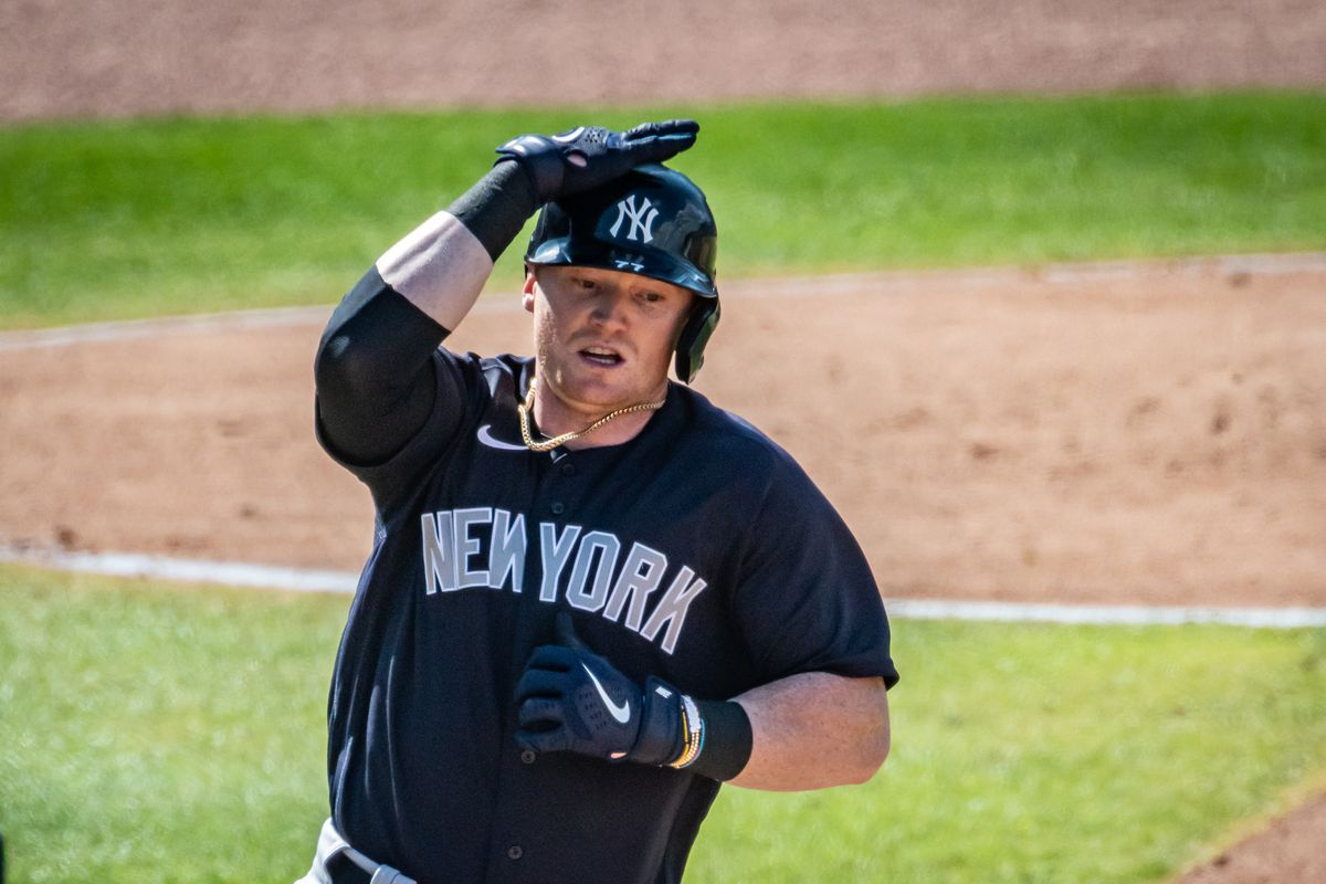 New York Yankees' Clint Frazier hits a single in spring training game against the Philadelphia Phillies