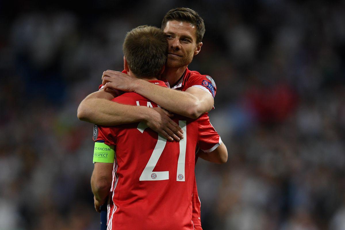 Philipp Lahm Xabi Alonso play final UEFA Champions League match