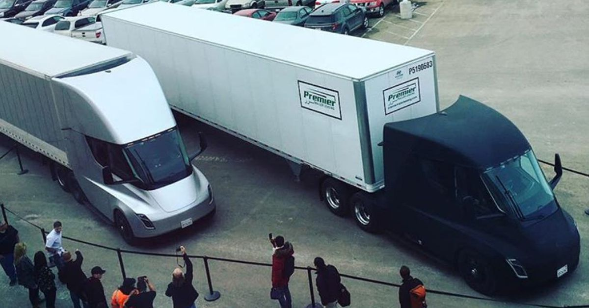Tesla S All Electric Semi Hauls First Load Of Cargo Curbed