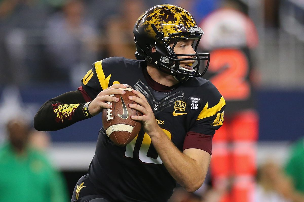 ASU QB Taylor Kelly will present Washington with many of the same problems that confounded them against Oregon's Marcus Mariota.