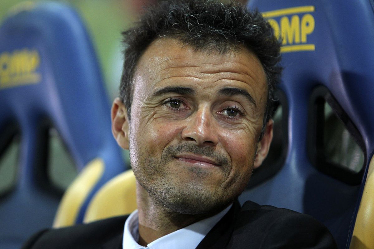 PARMA, ITALY - SEPTEMBER 25:  AS Roma manager Luis Enrique looks on before the Serie A match between Parma FC and AS Roma at Stadio Ennio Tardini on September 25, 2011 in Parma, Italy.  (Photo by Marco Luzzani/Getty Images)