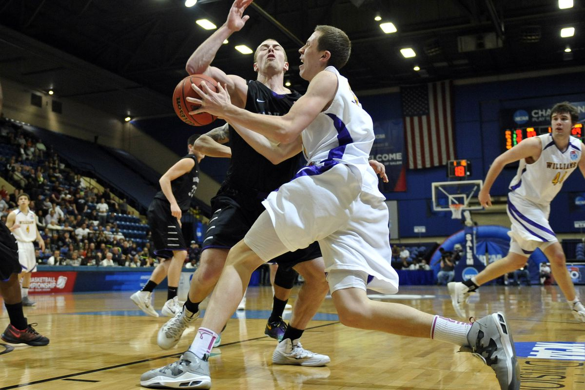 Let's go Ephs! (This is former Williams College wing Duncan Robinson)