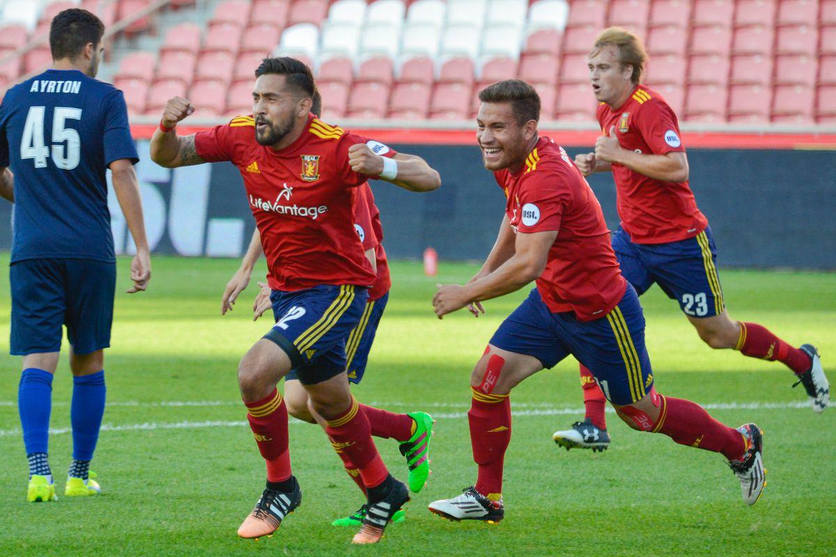 Emilio Orozco celebrating goal