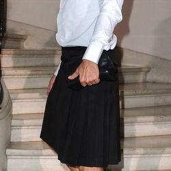 Marc Jacobs' manskirt makes another appearance! Does it have a twitter yet?