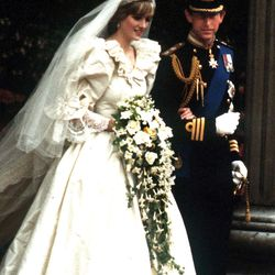 The late Princess Diana married Prince Charles of Wales on July 29th, 1981 in a David and Elizabeth Emmanuel gown and the Spencer family tiara.