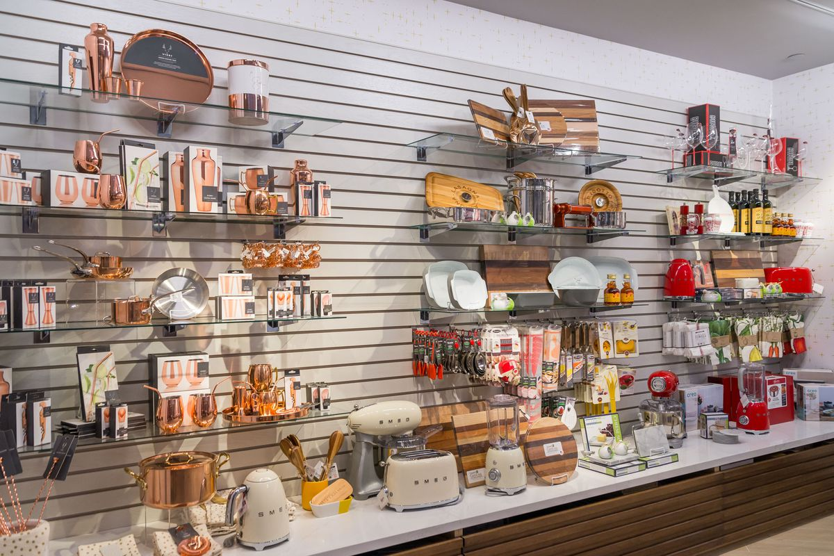 The retail section of Pronto by Giada