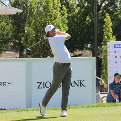 Zac Blair frappe un coup de départ au championnat d'Utah 2019 Zions Bank.