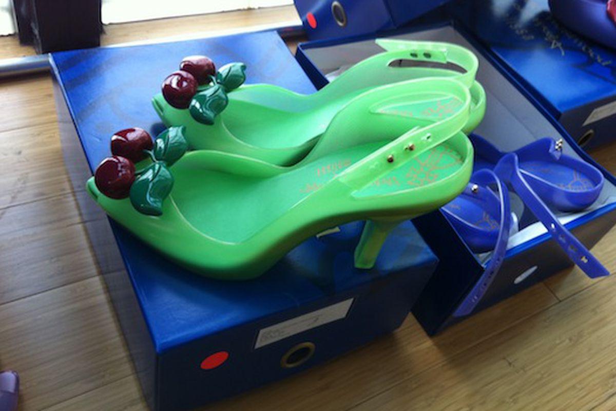 "Vivienne Westwood Anglomania x Melissa via <a href=""http://samplesally.com/2011/06/16/plastic-dreams-at-the-melissa-shoe-sample-sale-plenty-of-vivienne-westwood/"">Sample Sally</a>"