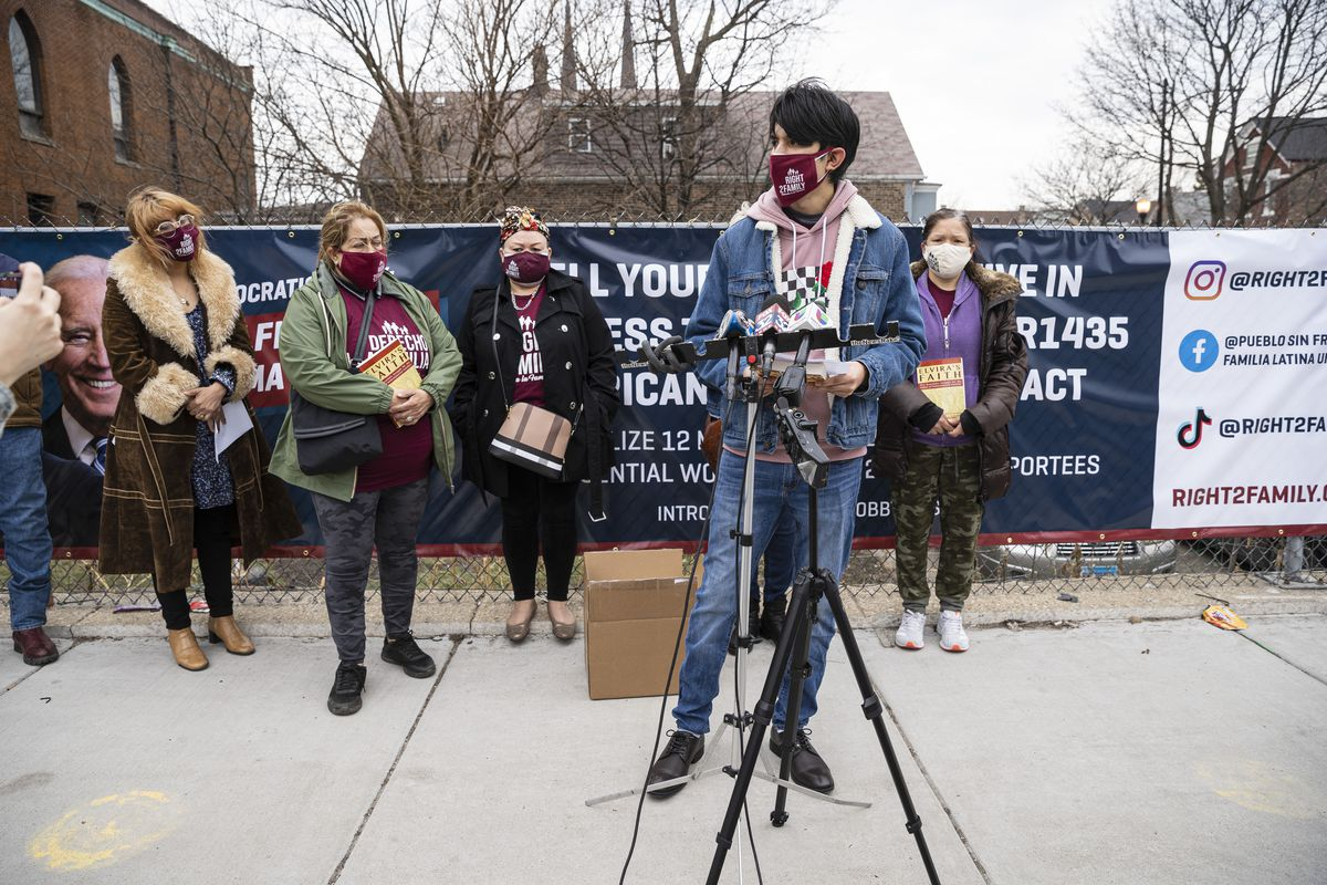 Saul Arellano recounts the worry of being separated from family during a news conference Wednesday outside Lincoln United Methodist Church in Pilsen.