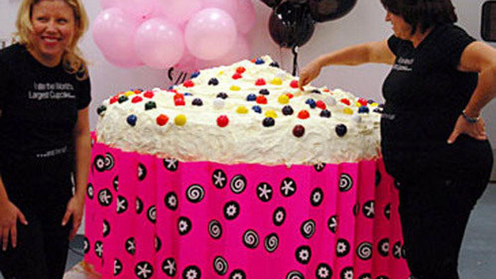 dc cupcakes one ton cupcake