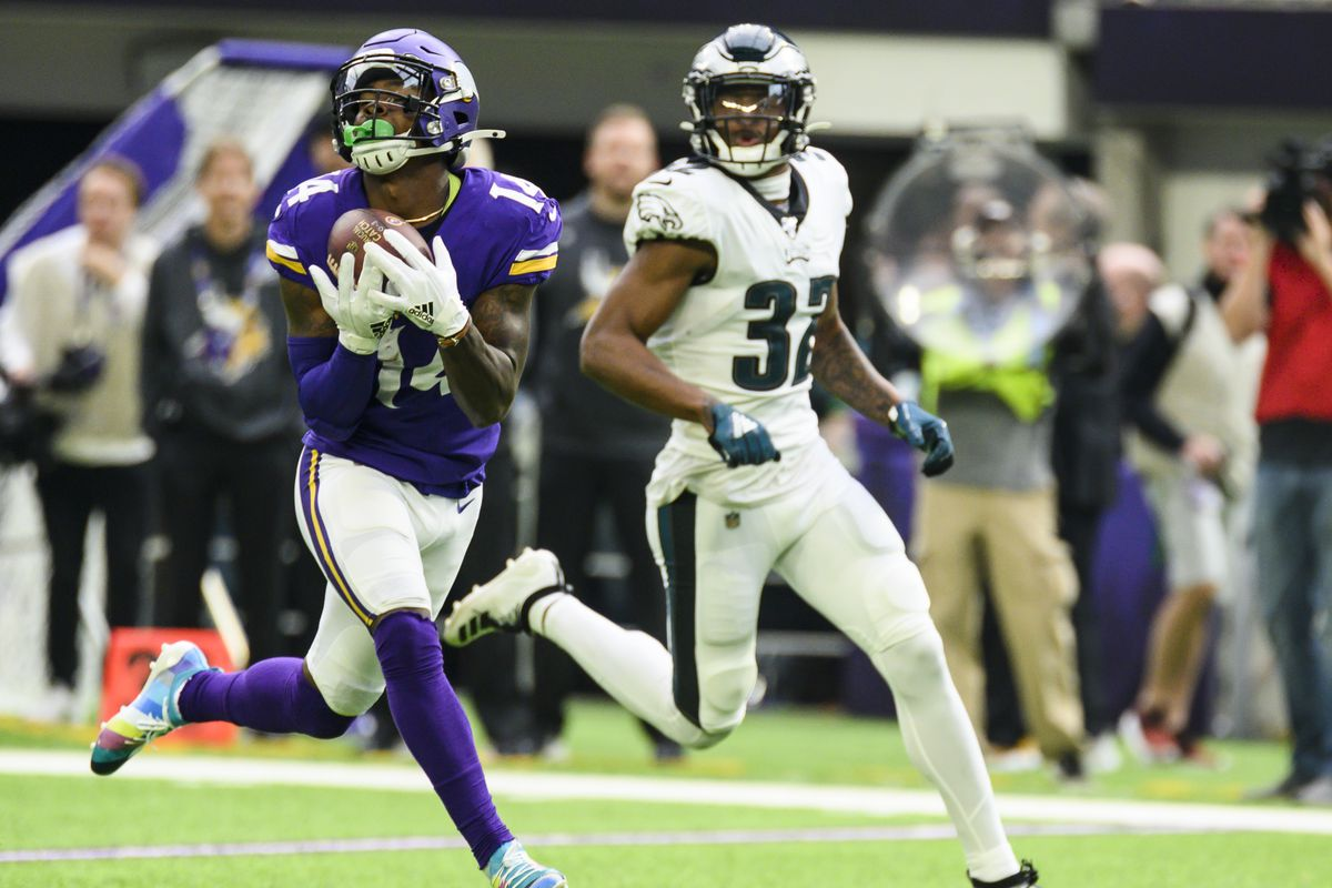 Missed opportunities and coverage busts plague Eagles on both sides