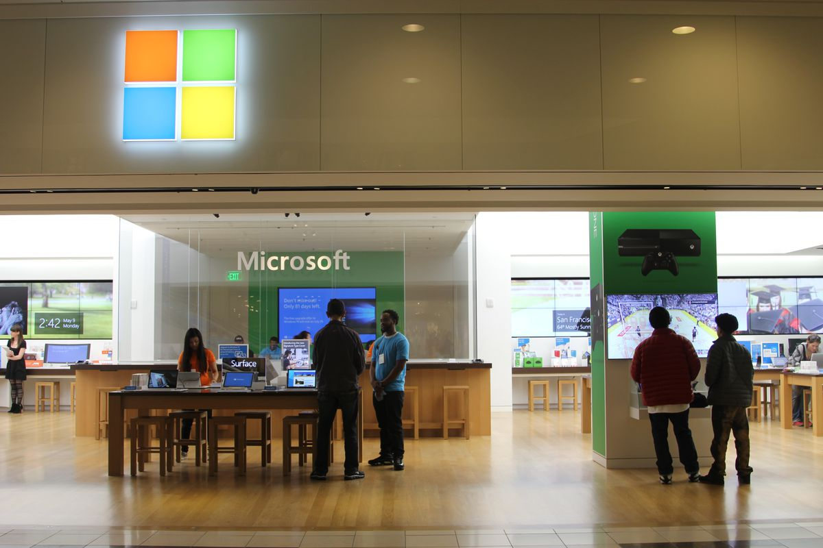 Microsoft tried to clone the Apple Store  It still hasn't worked  - Vox