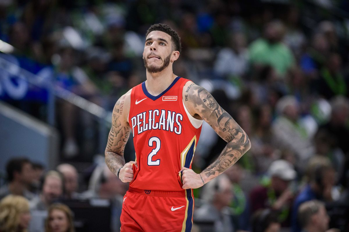 New Orleans Pelicans guard Lonzo Ball in action during the game between the Pelicans and the Mavericks at the American Airlines Center.