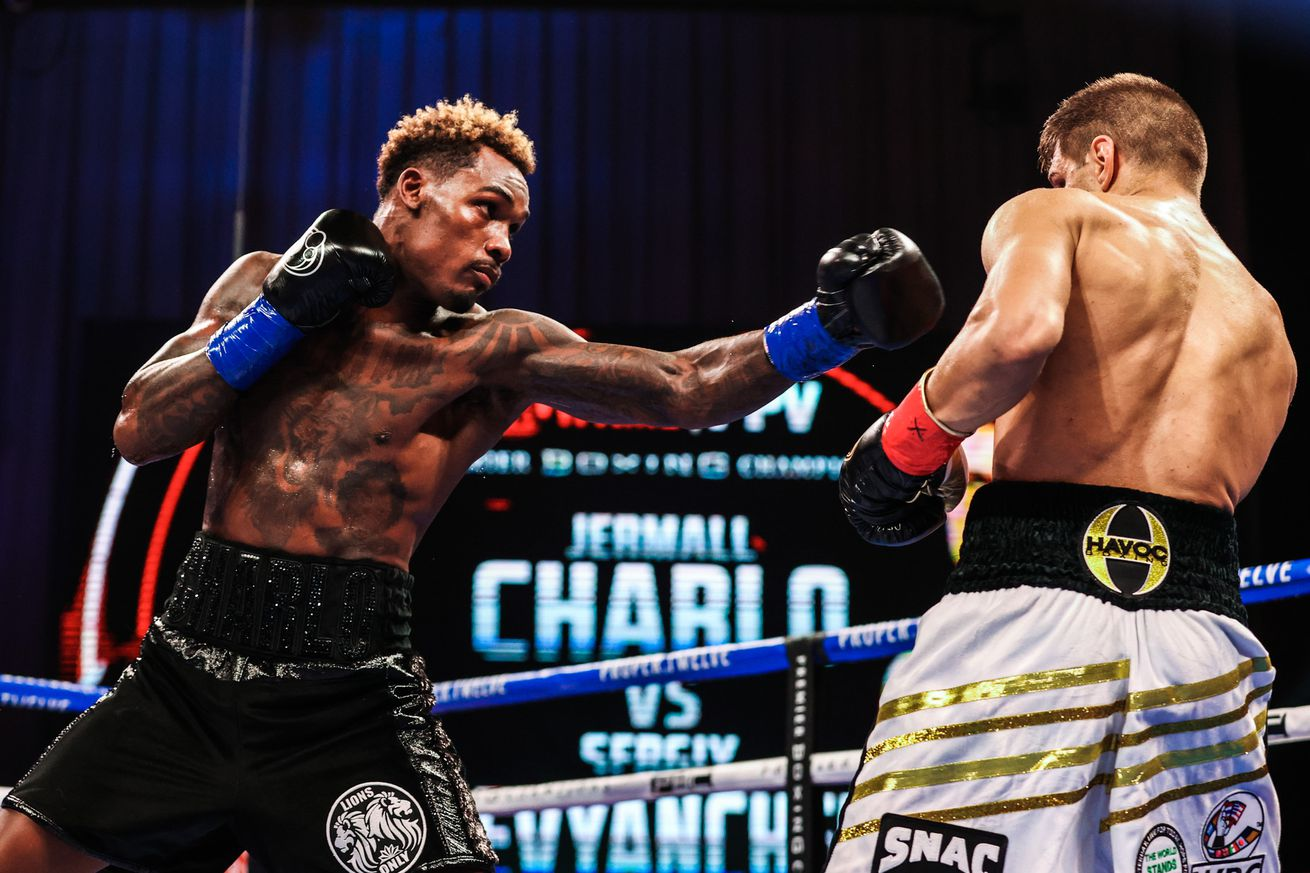 Ei4hf kXYAQ sAz.0 - Charlo retains WBC belt with gritty win over Derevyanchenko