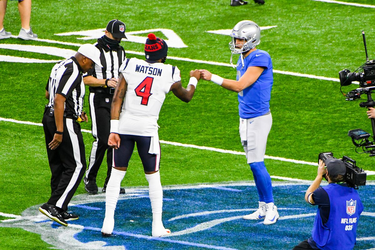 Houston Texans quarterback Deshaun Watson (4) and Detroit Lions quarterback Matthew Stafford (9) fist bump following the coin toss prior to the Detroit Lions versus Houston Texans game on Thursday November 26, 2020 at Ford Field in Detroit, MI.