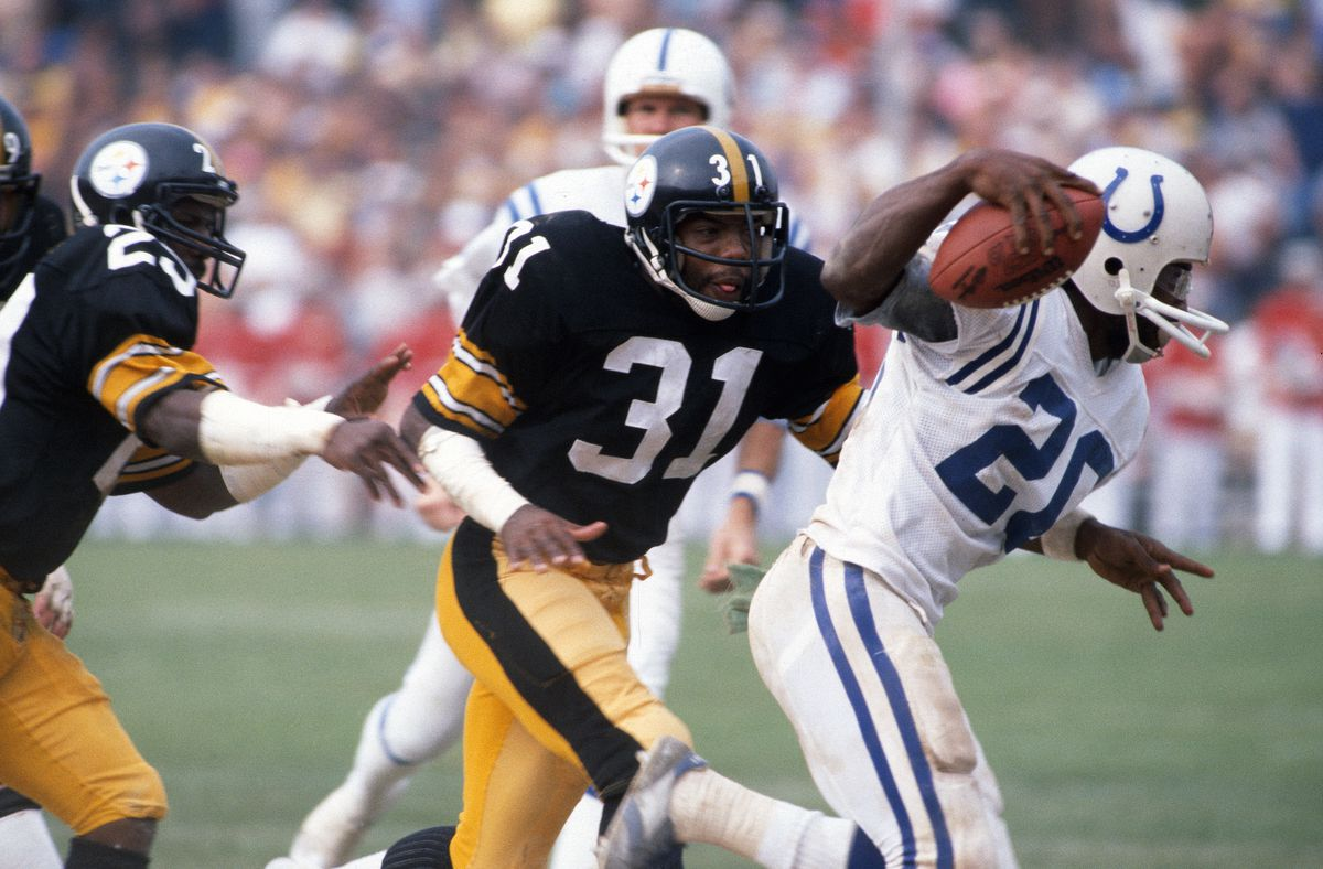 Pittsburgh Steelers v Baltimore Colts