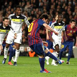FC Barcelona's Lionel Messi, of Argentina, kicks a penalty during a Champions League 2nd leg semifinal soccer match between FC Barcelona and Chelsea at the Camp Nou, in Barcelona, Spain, Tuesday, April 24, 2012. (AP Photo/Felice Calabro')