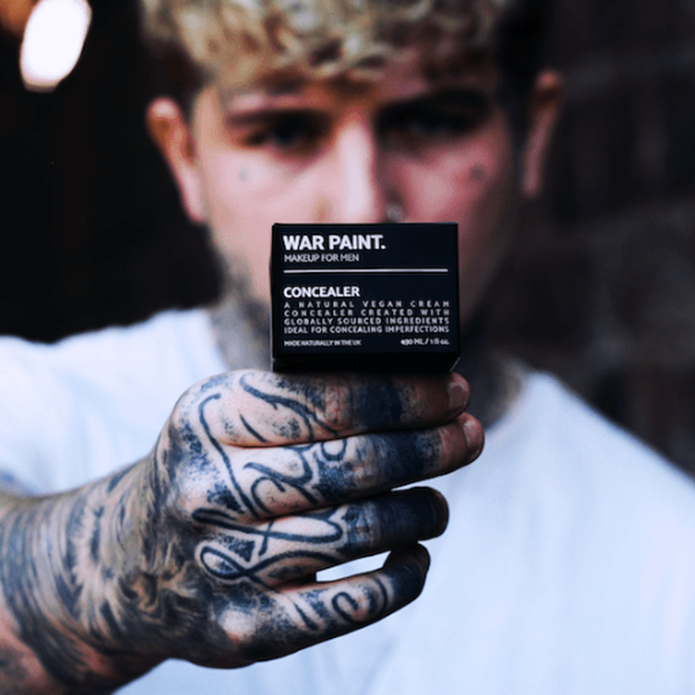 War Paint, makeup for men, uses toxic masculinity to sell foundation - Vox