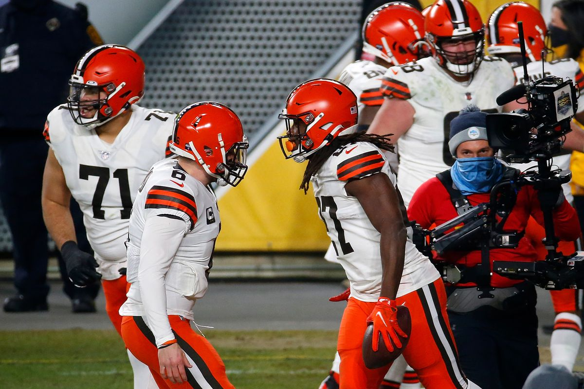 Kareem Hunt of the Cleveland Browns celebrates a touchdown with Baker Mayfield #6 during the first half of the AFC Wild Card Playoff game against the Pittsburgh Steelers at Heinz Field on January 10, 2021 in Pittsburgh, Pennsylvania.