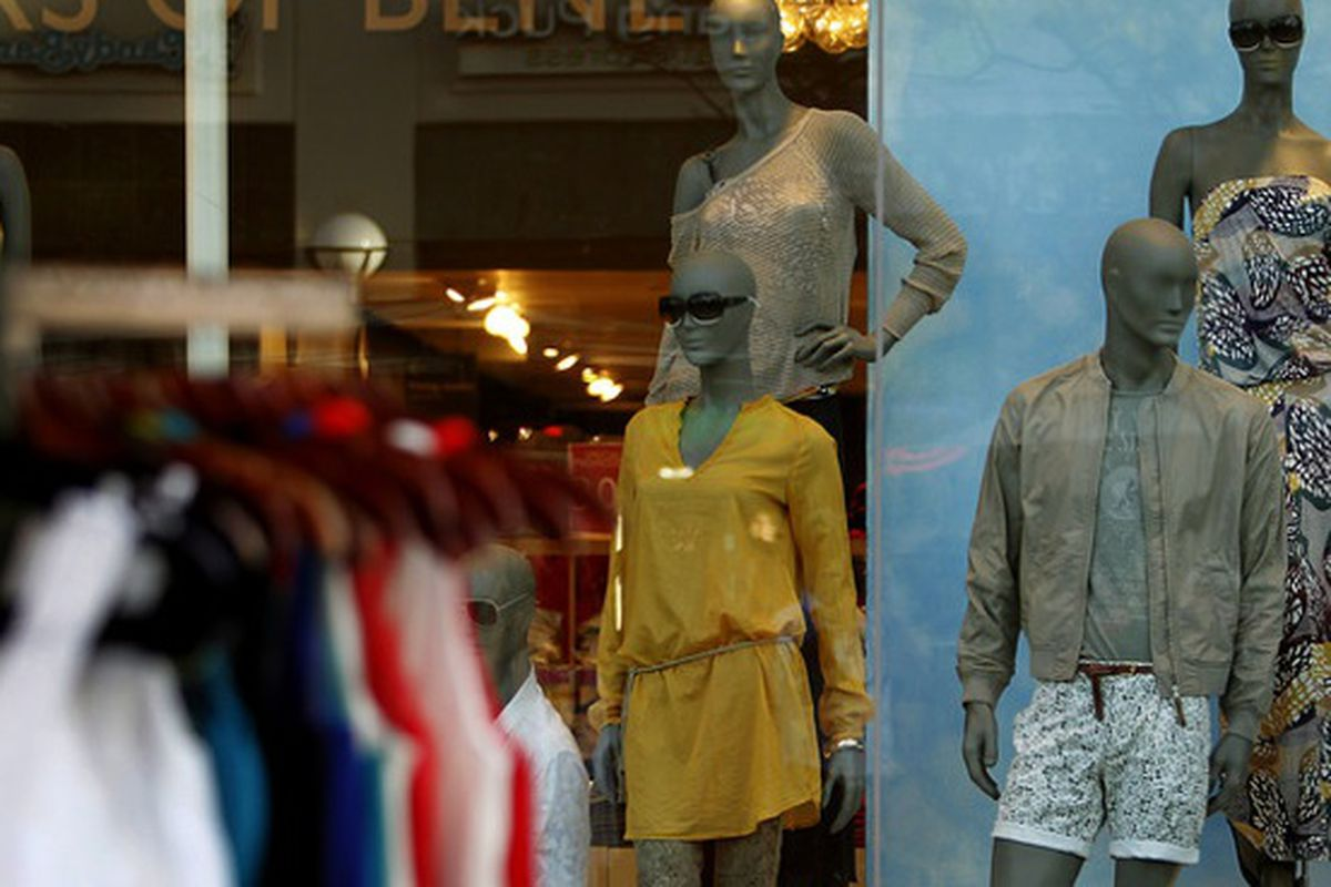 """Image via <a href=""""http://www.businessweek.com/news/2012-11-19/bionic-mannequins-spy-on-shoppers-to-boost-luxury-sales"""">Bloomberg Businessweek</a>"""