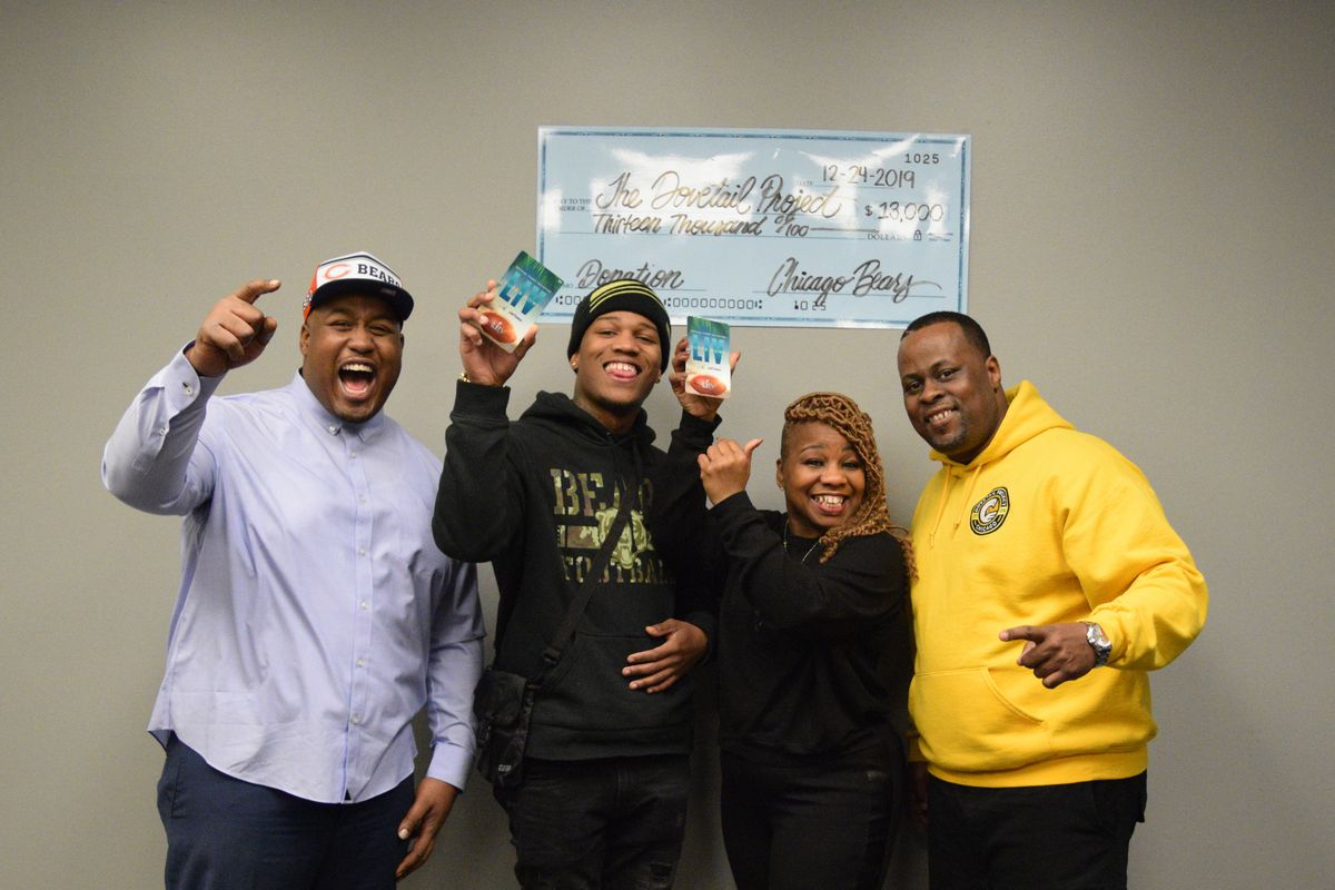 Chicago Bears Allen Robinson Gifts Super Bowl Trip To Young Father Part Of Dovetail Project Chicago Sun Times