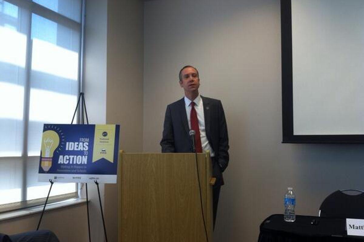 Kevin Huffman spoke at the Education Writers Association in Nashville.