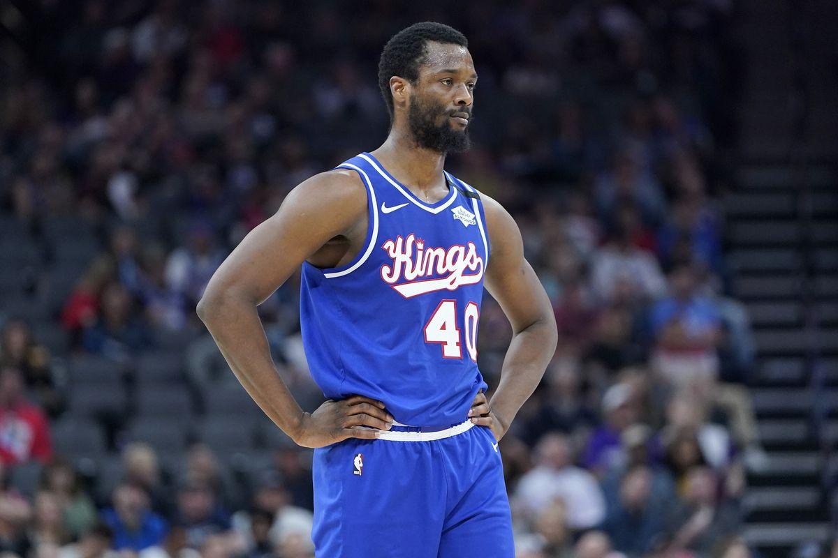 Philadelphia 76ers v Sacramento Kings