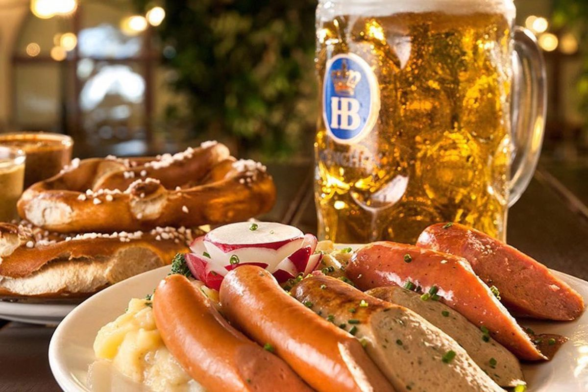 Bavarian beer, sausages and pretzels return to the HofbräuhausLas Vegas this summer.