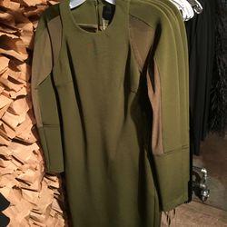 Cushnie et Ochs dress, $457.50 (from $1,525)