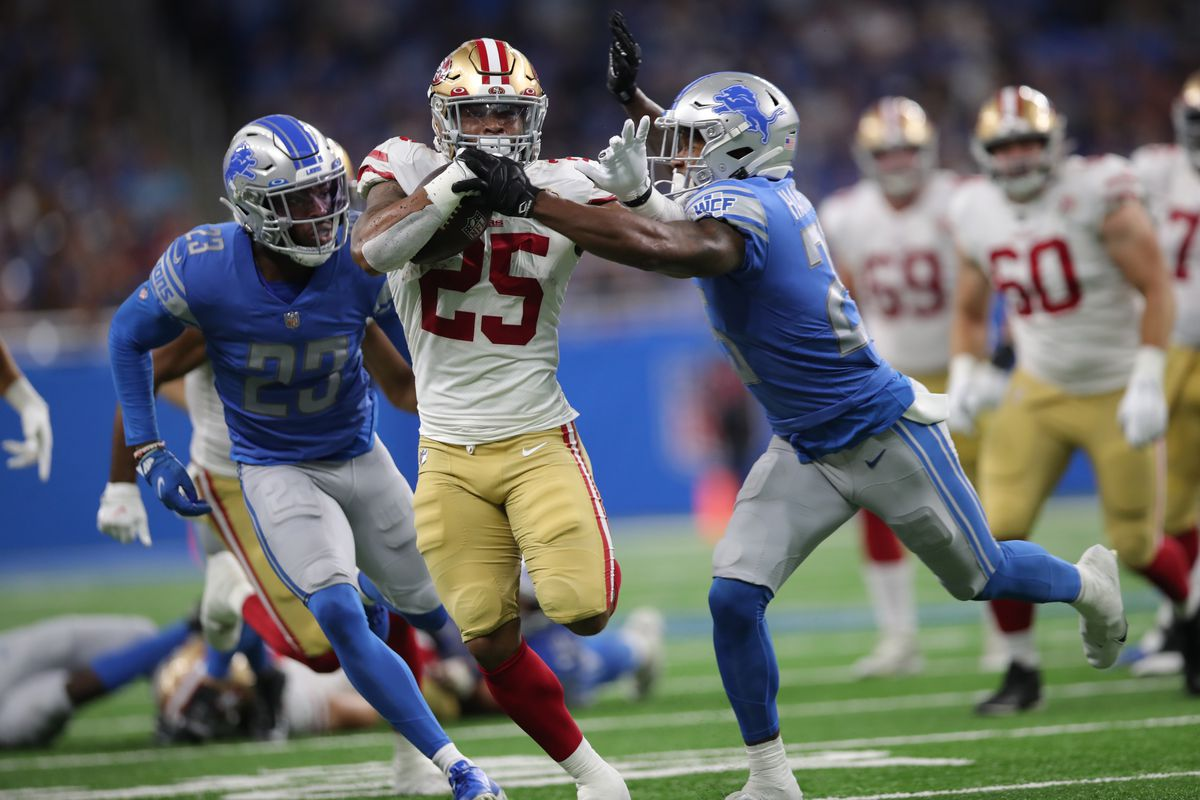 Elijah Mitchell #25 of the San Francisco 49ers rushes for a 38-yard touchdown during the game against the Detroit Lions at Ford Field on September 12, 2021 in Detroit, Michigan.