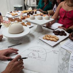 Pura breaks down The Fifth Element dessert with a diagram.